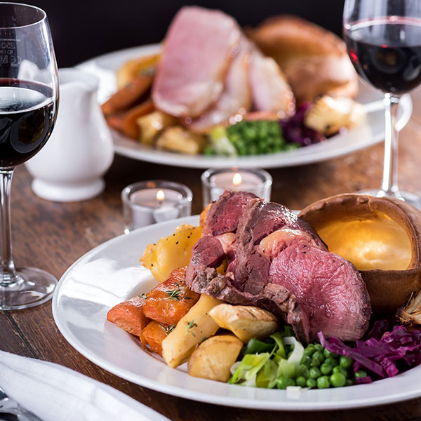 Quality Sunday food at The White Horse Hotel